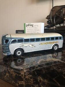 Arcade Greyhound Lines Cast-Iron Bus