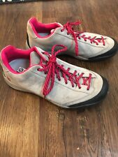 Scarpa Women's Comfort Fit Vibrant Climbing / Hiking Shoes Size 9.5
