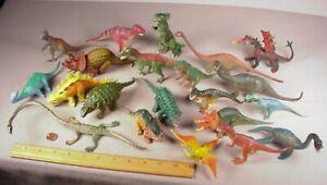 Vintage Chinasaurs 21 plastic rubber Dinosaurs Figures Playset Toys medium size