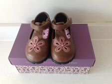 LAURA ASHLEY GIRLS BROWN LEATHER SHOES, SIZE 6. BNWT