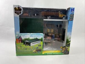 NIB New Ray COUNTRY LIFE 38pc. Playset Pickup, Trailer, Barn, Pigs & Fences Shed