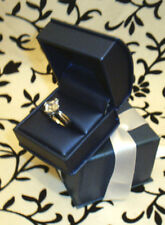 NEW FANCY FINE ITALIAN LEATHER GRAIN ENGAGEMENT RING BOX W/ RIBBON GIFT BOX
