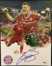 BASTIAN SCHWEINSTEIGER Signed Bayern Munich 11x14 Photo w/Beckett COA S09082