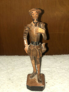 VINTAGE WOODEN CARVED STATUETTE OF DON QUIXOTE