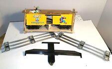 Lionel Goofys Baggage Train Box Car Mickeys World Tour Train Set & 2 Free Tracks
