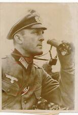 Nr.27107 Presse-Foto 2 Wk Frontoffizier Orden Feldstecher Optik 1944 13 x 18 cm