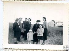 Portrait famille devant avion air france champ  - photo an. 1940