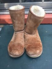 UGGS UGG Australia Classic Brown Chestnut Women's Size 8 Boots Shoes
