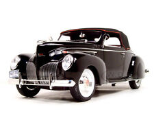 1939 LINCOLN ZEPHYR BLACK 1:18 DIECAST CAR MODEL BY SIGNATURE MODELS 18102