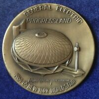 NY World's Fair General Electric (GE) Disney Progressland Medallion/Paperweight