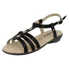 Sandali e scarpe nere per il mare da donna dal Regno Unito