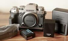 Fuji Fujifilm X-T3 Digital Camera w/ MHG-XT3 grip ... & extra Battery !!