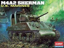 ACADEMY 1:35 CARRO M4A2 SHERMAN U.S. MARINES 13203