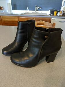 Clark's Black Leather Ankle Boots size 9 Sophisticated
