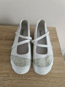 White Skechers summer Shoes Size 6