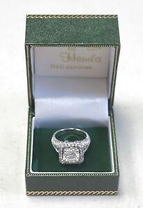 Round Brilliant Cut Diamond Engagement Ring 18K White Gold Halo Design Size 5.5