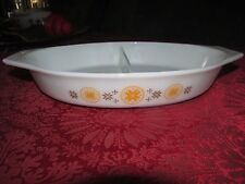 VINTAGE PYREX TOWN & COUNTRY 1 1/2 QUART DIVIDED CASSEROLE DISH