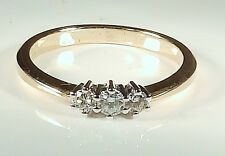 A FINE 9CT YELLOW GOLD  .25CT DIAMOND 3 STONE TRILOGY ENGAGEMENT  RING