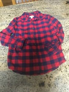 boys Old Navy Red And Blue Plaid Flannel Button Front Shirt Size 6/7