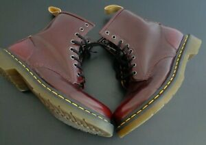 Dr. DOC Martens VEGAN Smooth Leather 8 Eyelet Combat Boots Women's 9 Cherry Red