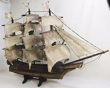 Prächtiges altes Modellschiff aus Holz -Segelschiff Dreimaster kolorierter Rumpf