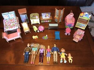 23 Piece Lot - Fisher Price Loving Family - Furniture People Dolls Baby Bath Tub