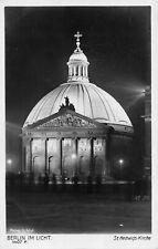 R152533 Berlin im Licht. St. Hedwigs Kirche. Ludwig Walter
