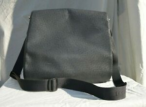 Louis Vuitton Extra Large Taiga Viktor Black Leather Messenger Bag used AS IS
