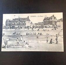 CPA. CAYEUX. 80 - La Plage. Villas. Cabines. Jeux de sable. 1931