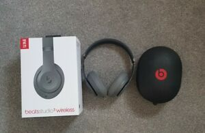 Beats by Dr. Dre Studio3 Wireless Over‑Ear Headphones - Grey - Mint condition