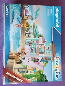 PLAYMOBIL 70279 FAMILY FUN WATERFRONT ICE CREAM SHOP. FOR AGES 4 YEARS & OVER