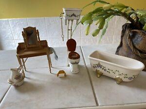 Dolls House Bathroom Set Bath,ToIlet,Plus Washstand Jug And Bowl Lot 1.12