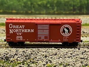N Scale - MTL 20156 Great Northern 40' Single Door Boxcar GN 18748 N4205