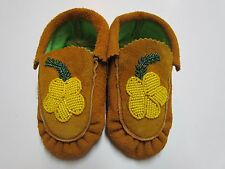 CHILDREN'S NATIVE AMERICAN MOCCASINS/SLIPPERS - BEADED YELLOW FLOWER - 6 IN