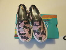 Girls Skechers slip-on casual shoes size 10.5 New in Box