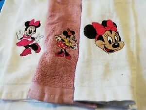 SET 0F 3 MINNIE MOUSE FACE CLOTHS/LOVELY EMBROIDERED DISNEY TOWEL SETS