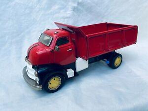 Yonezawa Chevrolet Dump Truck Friction Japan Tin Toy Rare / Selten