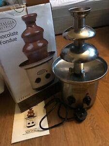 Nostalgia electrics CFF900 chocolate fondue fountain 3 tier in box