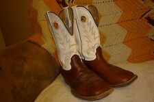 Mens 9 EE Larry Mahan Brown & White Square Toe Western Cowboy Boots Extra Wide