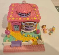 Vintage Polly Pocket BlueBird 1995 Strawberry Ice Cream Parlour Shop *COMPLETE*