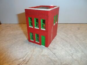 HO SCALE SMALL 2 STORY APT./ OFFICE  BUILDING