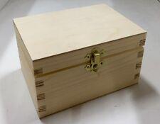 Tamaño mediano caja de madera de pino 16x11.5x9.5CM RN124 Caja de almacenamiento Caso de tronco de pecho