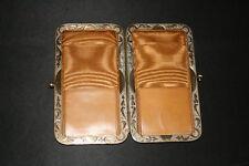 ancien étui original pour cartes? cuir bronze ciselé fin XIX ème ou début XX ème