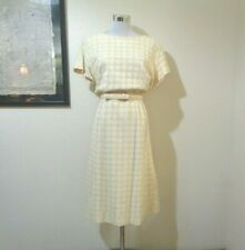 1960s HENRY LEE IVORY OPEN CIRCLE LACE BELTED SHEATH DRESS SZ M/L