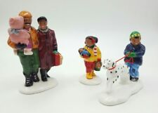 THE WHOLE FAMILY GOES SHOPPING #54905 RETIRED SNOW VILLAGE BY DEPT 56