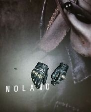 1/6 Hot Toys Predators Noland Pair Of Armored Relaxed Palms  MMS163
