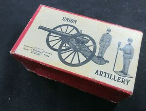 Britain 3 Piece Union Artillery No. 2057, 1940's, With It's Original Container