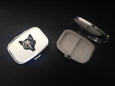 Cabeza de Fox A72 Estaño Inglés En Metal Rectangular de Viaje Pastillero Emblema