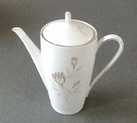 Hutschenreuther Arzberg  Bavaria Germany Coffee Tea Pot Rose Platinum Trim New