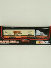 RACING CHAMPIONS HOOTERS NASCAR  TRACTOR TRAILER ALAN KULWICKI #7 FROM 1992